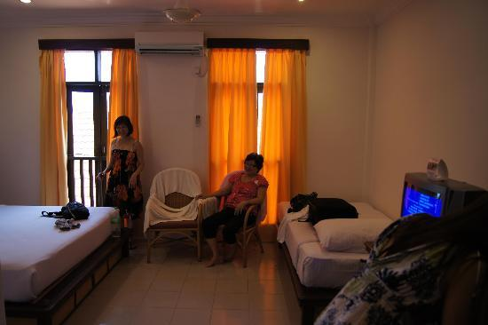 Laguna Redang Island Resort: the entire room
