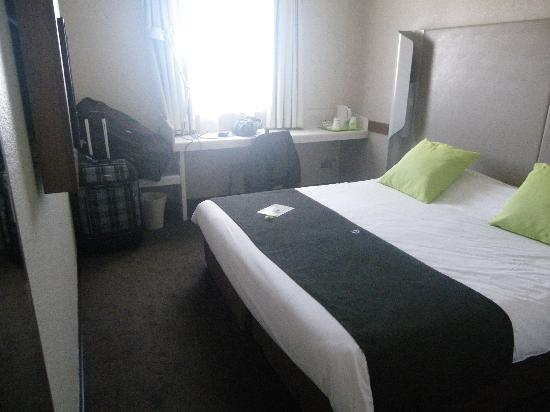 Campanile Perpignan Nord Rivesaltes: chambre pour 2