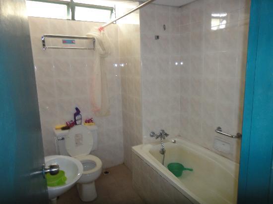 Kondo Istana Langkawi: Bathroom