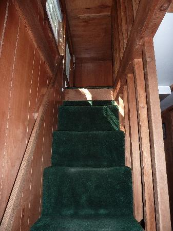 Chama River Bend Lodge: steep stairs to loft in cabin 70