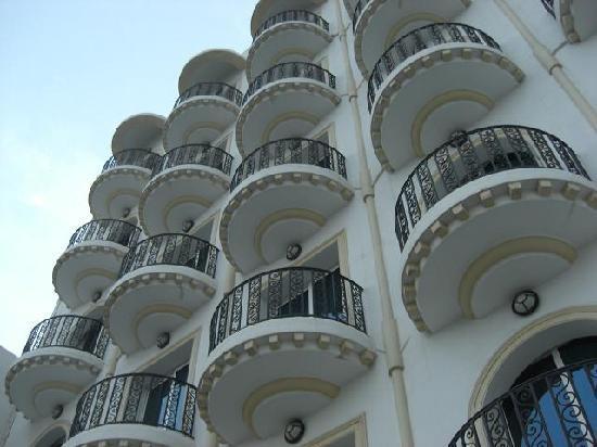 Hotel Ariha : 外観2