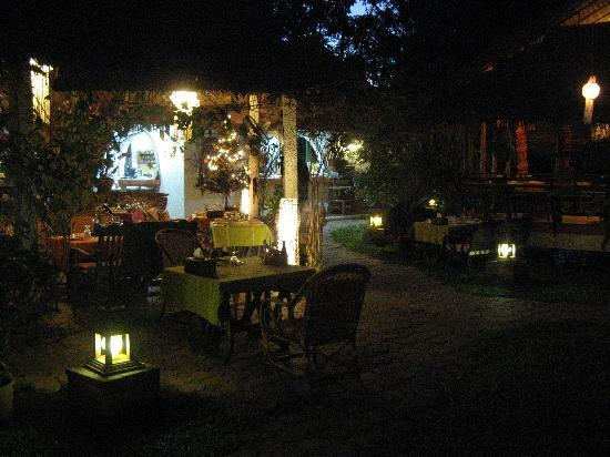 Secret Garden Chiang Mai: Secret Garden by night