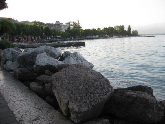 Desenzano Del Garda, Italy: ancora il lago