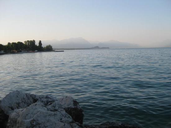 Desenzano Del Garda, Włochy: lago ancora...