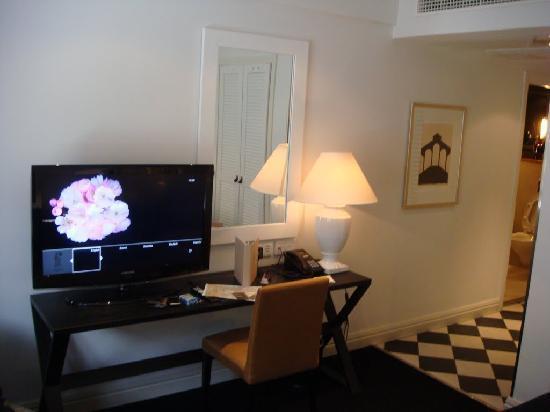 Fabian Hotel: TV