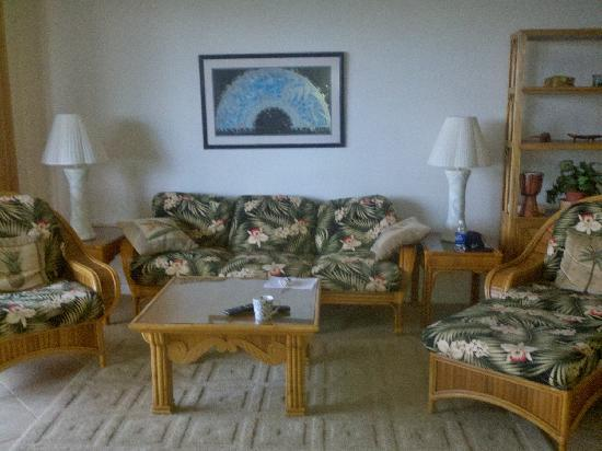 Castle Makahuena at Poipu: Living Room