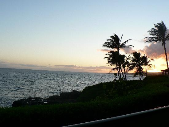 Castle Makahuena at Poipu: Sunset view
