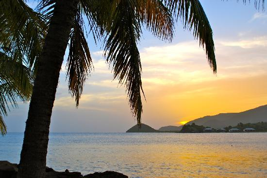 Curtain Bluff Resort : Caribbean sunset