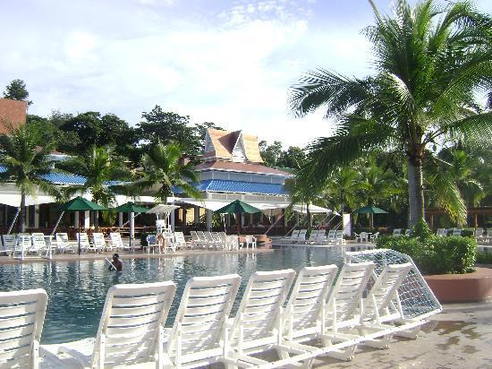 Royal Decameron Beach Resort, Golf & Casino : Piscina del hotel