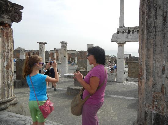 Lucia Pompeii Guide Tours: Lucia with my niece, near the Forum at Pompeii