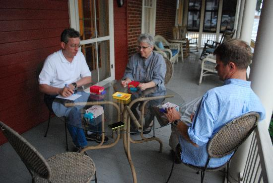 Holladay House Bed and Breakfast: Playing family games on the porch
