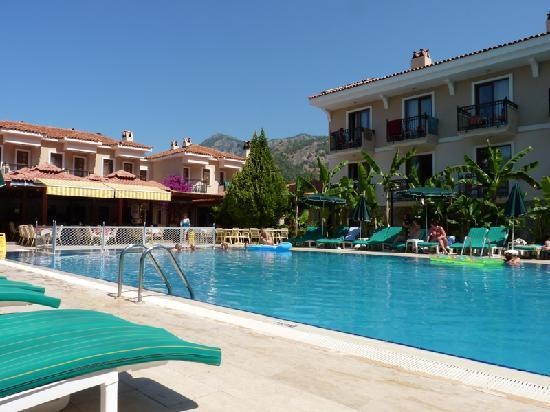 Perdikia Beach: hotel perdikia simming pool