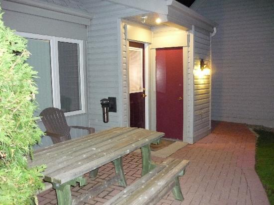 Mountain View Villas at Cranberry: Unit 371 at night