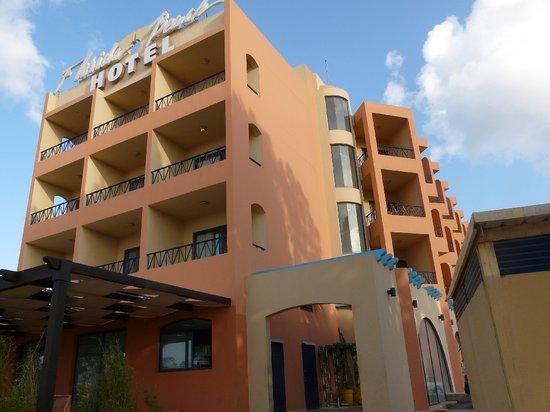 El Heri, Ливан: Hotel gesehen vom Park/Strand