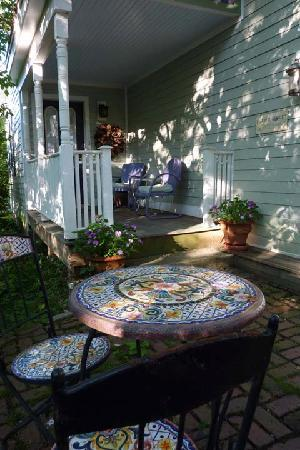 Amherst, MA: Front Porch