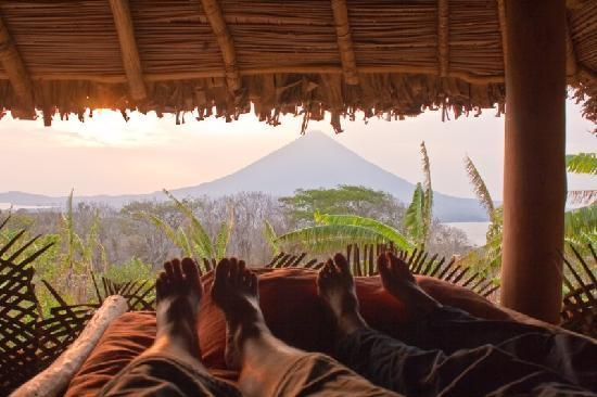 Totoco Eco-Lodge: View from the beds of Volcano Concepcion