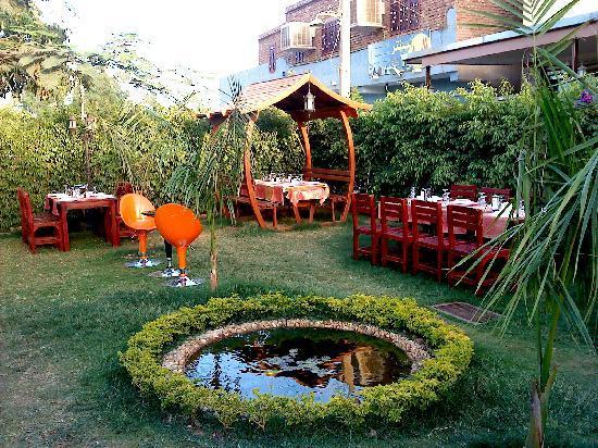 Topkapi Restaurant : Garden-1