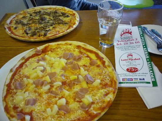 Del Fornaio: Hawaiian Pizza and Bolognese Pizza