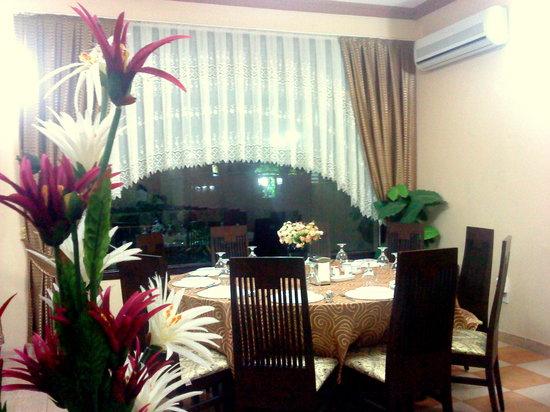 Topkapi Restaurant : inside-2