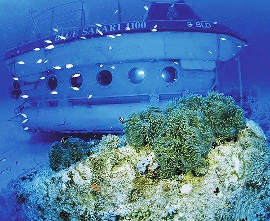 Trou aux Biches : Le sous marin de 10 places