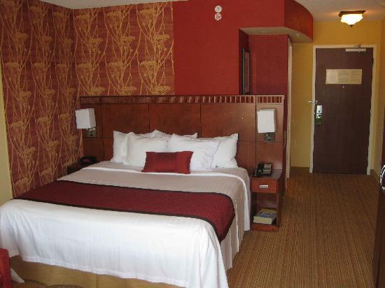 Courtyard Memphis Collierville: Standard King Room - 4th Floor