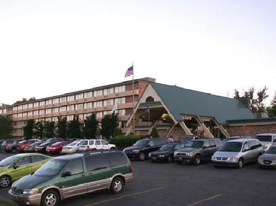 The Holiday Inn Marquette hosts plenty of weddings and special events for the locals.