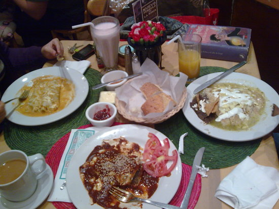 Photo of Mexican Restaurant El Pendulo at Nuevo León 115, Mexico City, Mexico