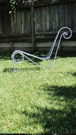 Marvelous Garden Spaces To Chill Picture Of L M Motel Healdsburg Dailytribune Chair Design For Home Dailytribuneorg