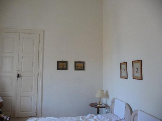 Hotel Omiros: The room