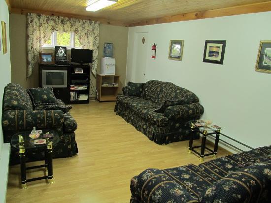 Triple Rose Bed & Breakfast: Triple Rose B&B living room