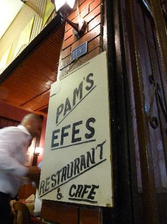 Efes Restaurant & Cafe: The Efes is a great place to spend an evening.