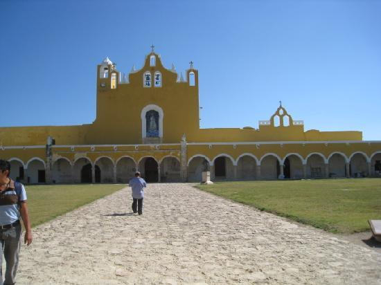 Merida, Mexique : Izamal la jolie