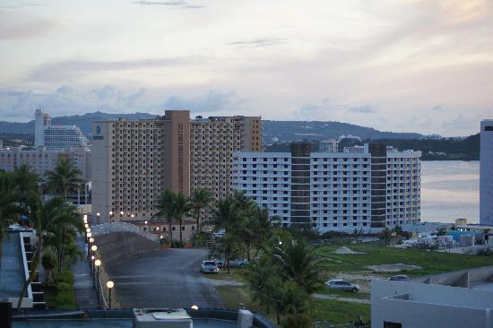 Oceanview Hotel & Residences: ホテルからの景色
