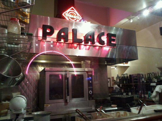 The Palace Grill: Interior