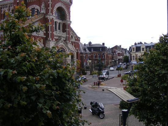 Hotel de la Basilique: View of Albert from room