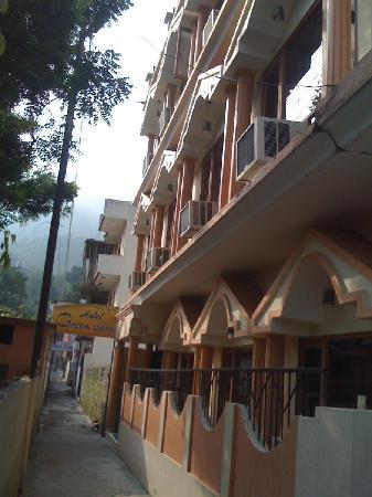 Green View by One Hotels : outside view of the hotel