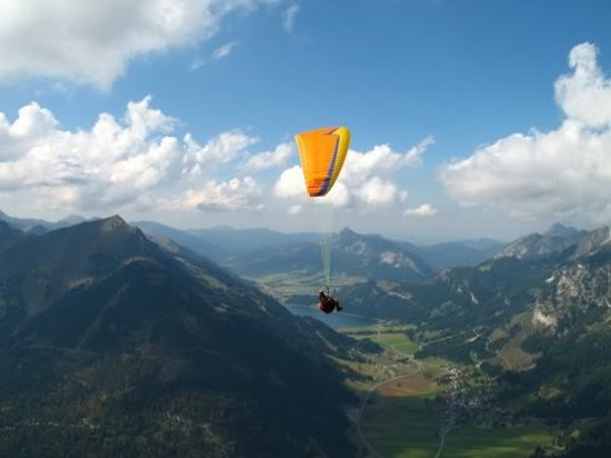 Paraworth Tandem Paragliding: flying in Bavaria