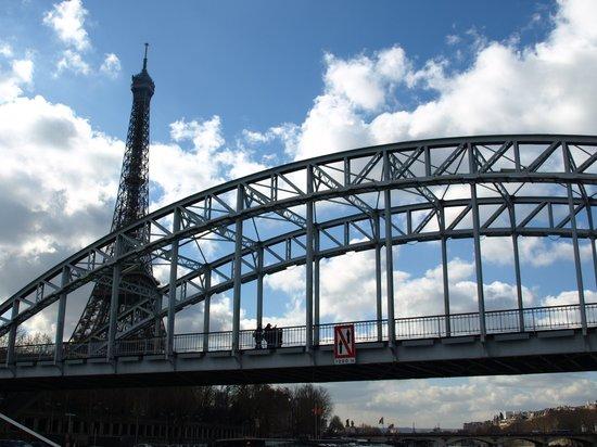 德比利行人橋