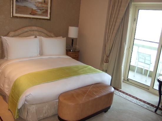 Kempinski Nile Hotel Cairo: room