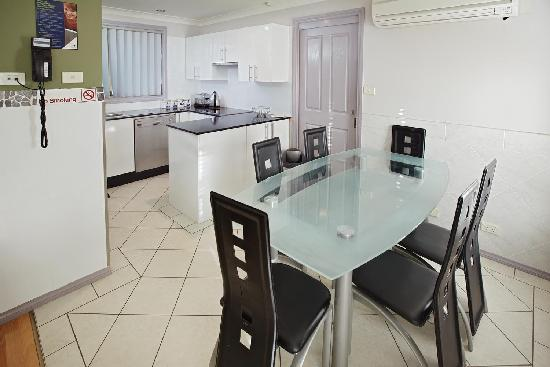 Jesmond Executive Villas: kitchen facilities