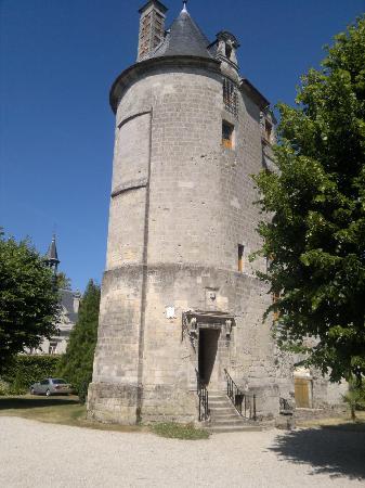 Chateau DonJon in Vic sur Aisne