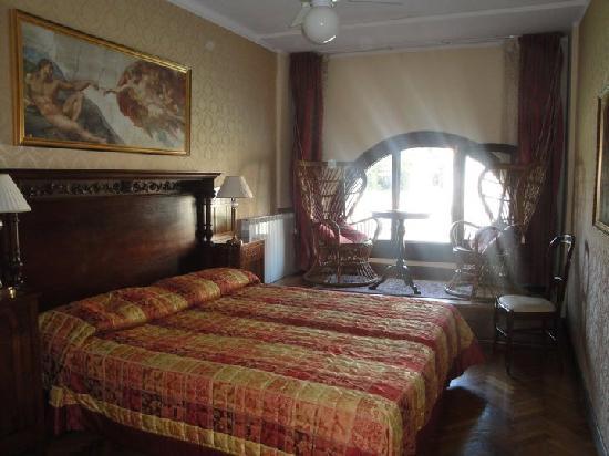 Hotel Galleria: room 8