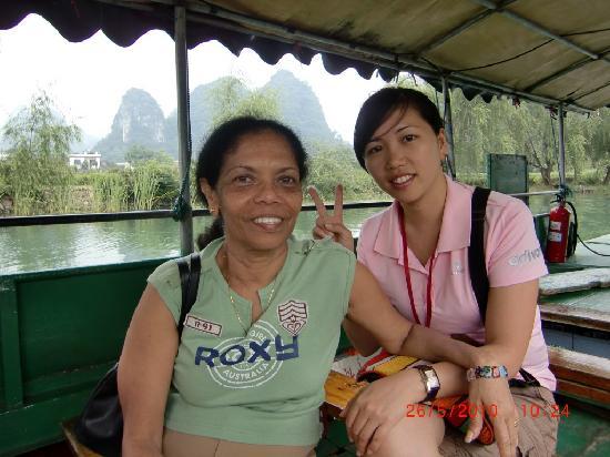 Yangshuo County, Çin: Lakshmi with Yangshuo-Private-Tours Guide--Sunny