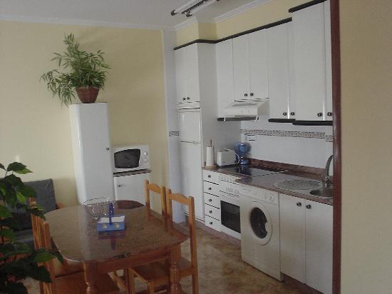 Mirador de Ons Apartments: cocina