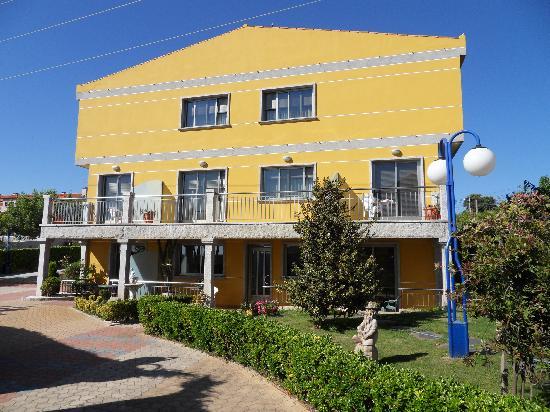 Mirador de Ons Apartments: exterior-terrazas