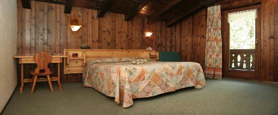 La Salle, Itália: Una camera da letto