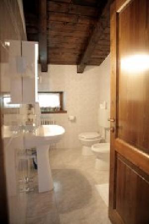 La Salle, Italia: Un bagno
