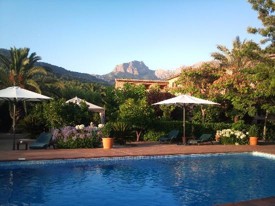 Ca's Curial: Pool with a view