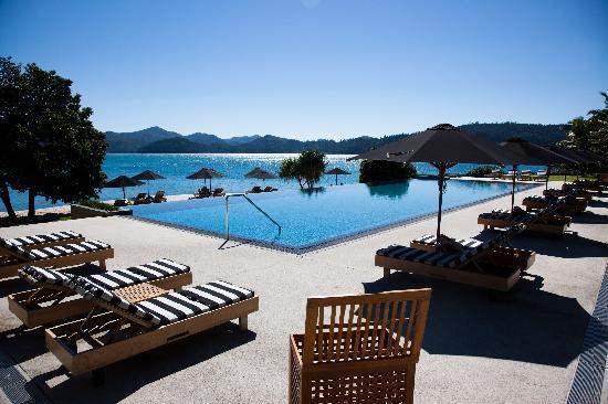 Qualia Resort The Pebble Beach Infinity Pool