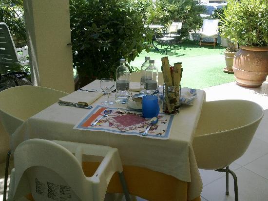 Hotel Derby Exclusive : Tavolo apparecchiato per il bambino